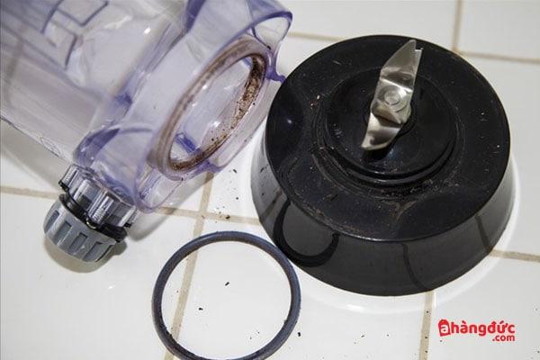 Cách vệ sinh máy xay sinh tố để lâu