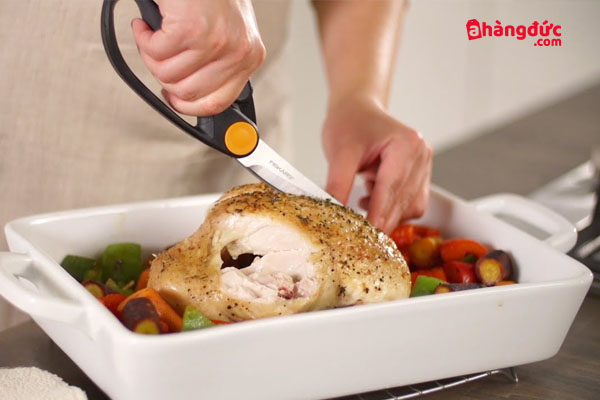 Liệu kéo cắt gà giá rẻ có thể thay thế cho các sản phẩm cao cấp?