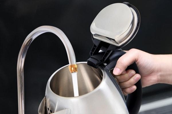 cách sử dụng ấm đun nước siêu tốc