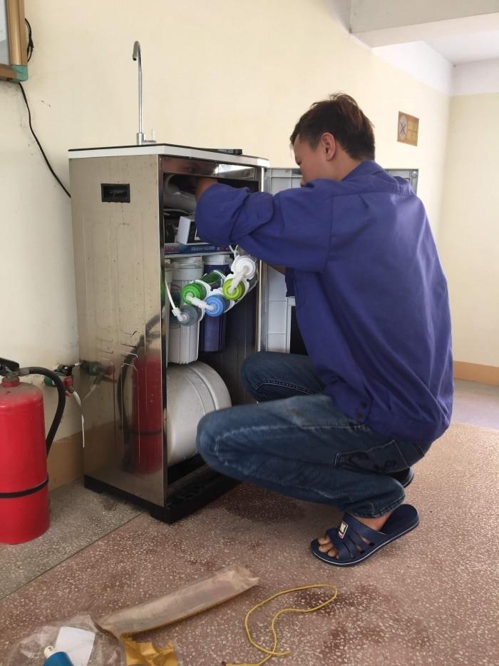 máy lọc nước không chạy mà nước thải