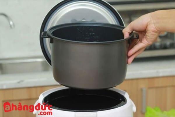 Lau khô nồi trước khi nấu