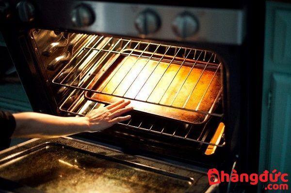 Lò nướng hoạt động nhưng không đủ nhiệt