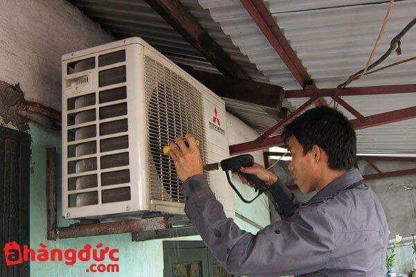 Sửa cục nóng điều hòa bị chảy nước