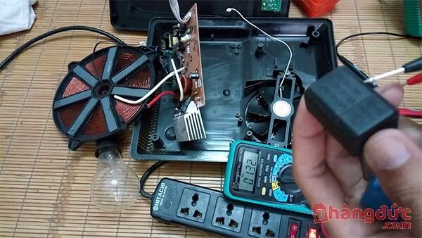 Bếp từ bị mất nguồn do tụ điện bị hỏng