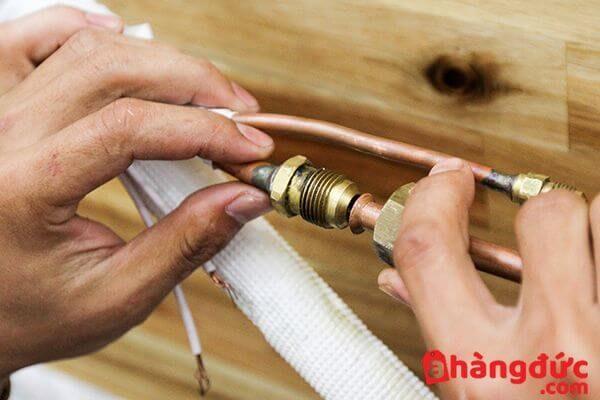 Kiểm tra đường ống điều hòa