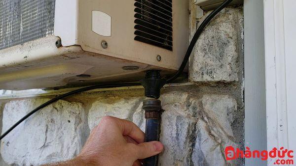 Tắc ống thoát nước điều hòa